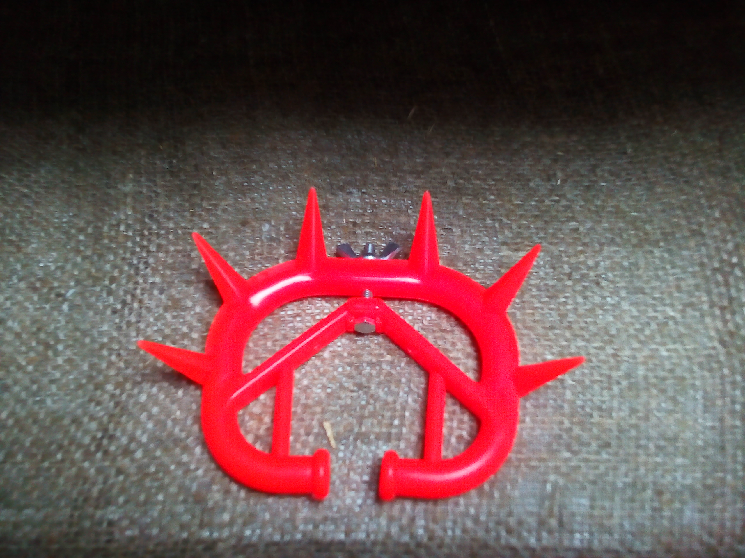 Кольцо с шипами для телят своими руками 68
